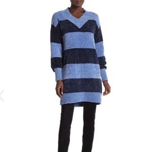 Solutions Block Stripe V-Neck Chenille Sweater Drs